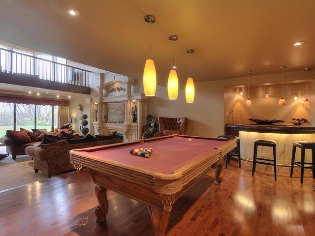 127 Quesnell Cres Edmonton AB-MLS_Size-013-51-Living Room-640x480-72dpi.jpg