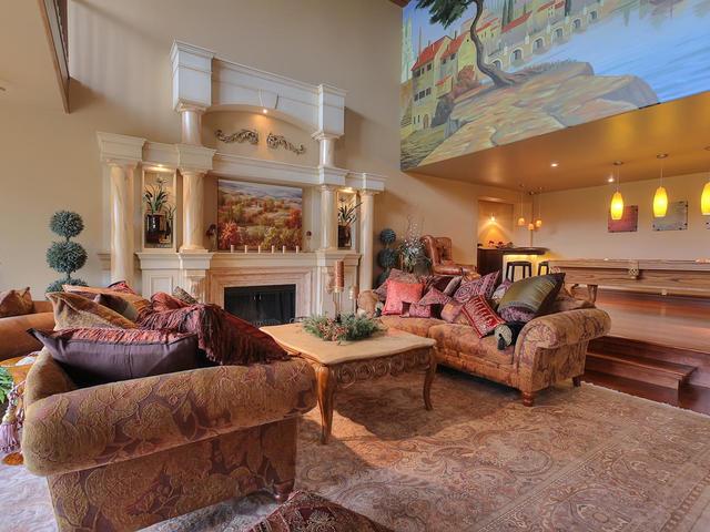 127 Quesnell Cres Edmonton AB-MLS_Size-016-64-Living Room-640x480-72dpi.jpg