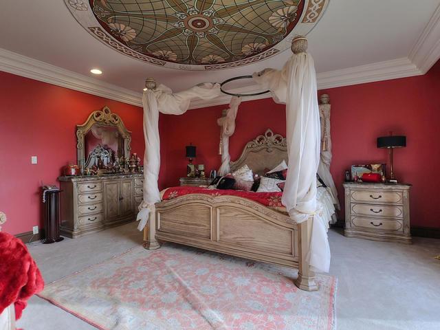 127 Quesnell Cres Edmonton AB-MLS_Size-043-67-Master Bedroom-640x480-72dpi.jpg