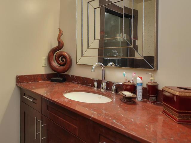 127 Quesnell Cres Edmonton AB-MLS_Size-048-42-Bathroom-640x480-72dpi.jpg