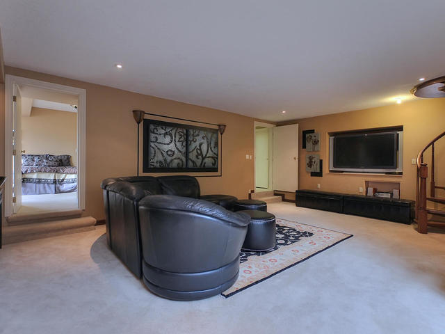 127 Quesnell Cres Edmonton AB-MLS_Size-068-113-Lower Level  Main Living Area-640x480-72dpi.jpg