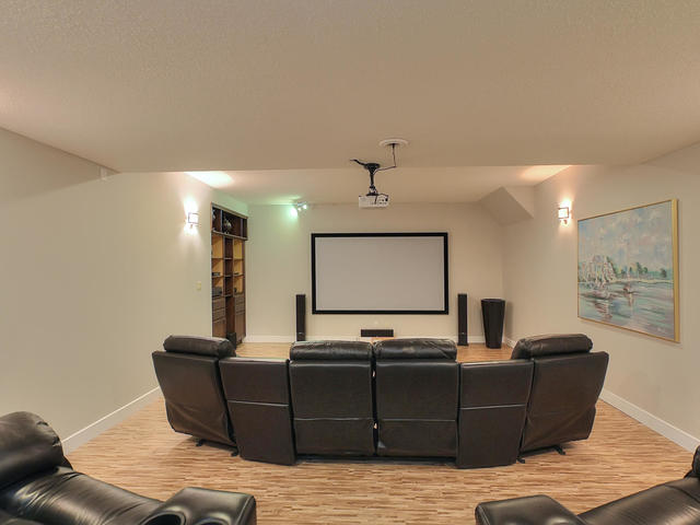 127 Quesnell Cres Edmonton AB-MLS_Size-072-115-Media Room-640x480-72dpi.jpg