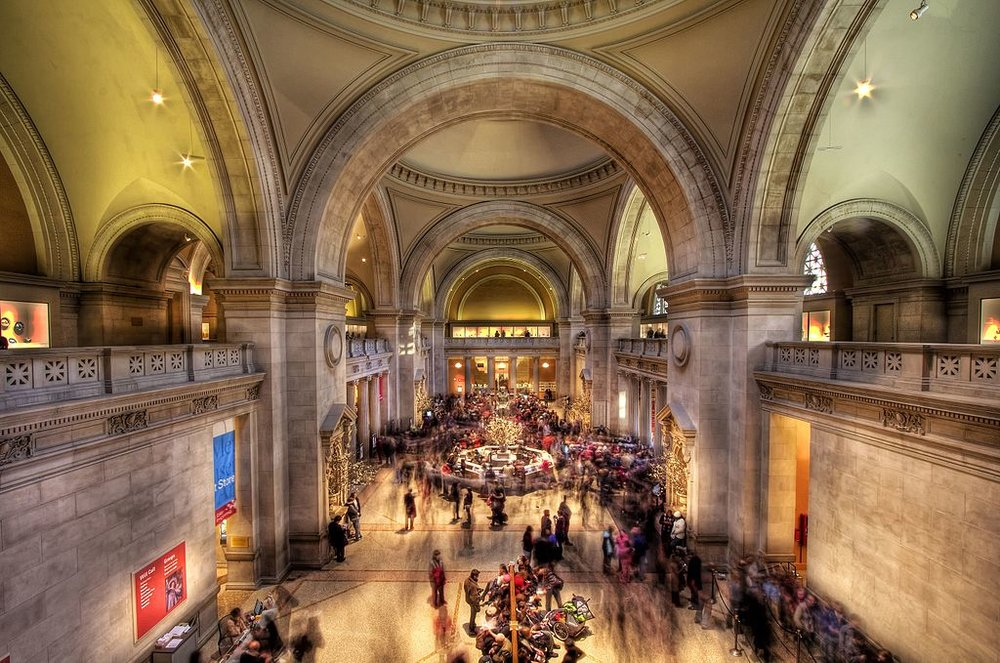 Metropolitan_Museum_of_Art_-_From_the_far_side.jpg
