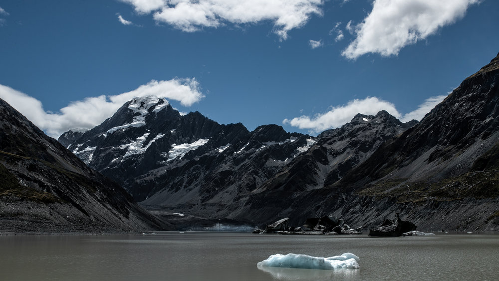 Mount Cook and Hooker Lake.JPG