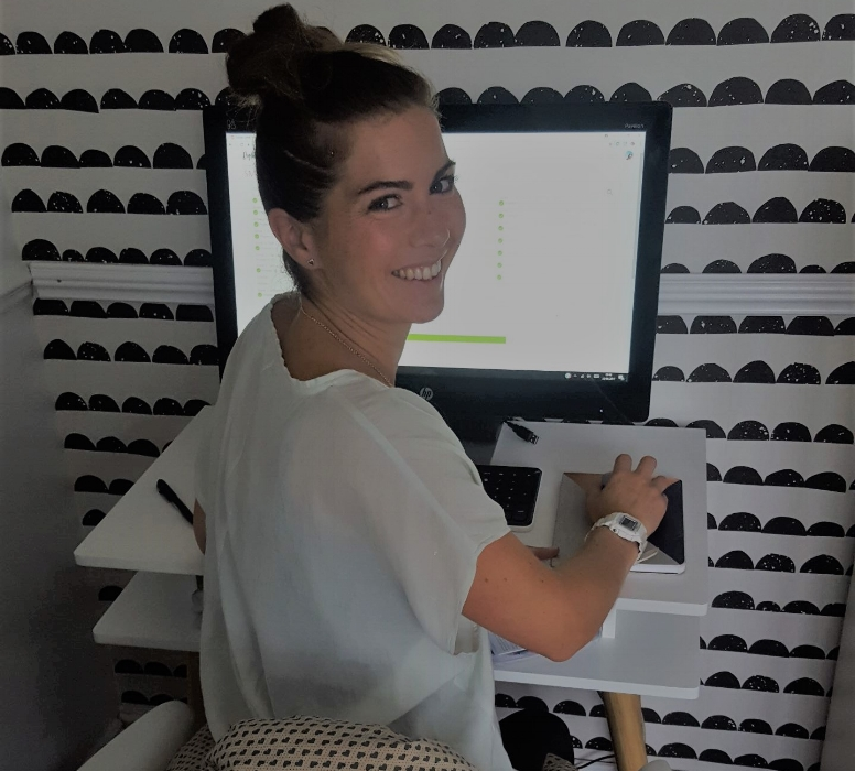 Meet Claire.. - Claire Down is Stib's Comms Manager, after spending 12 years in consumer PR, working for brands including LEGO & Smeg, Claire recently completed Digital Mums Social Media Management Programme & having taken the leap into freelancing, took Stib on as her very first client...  .