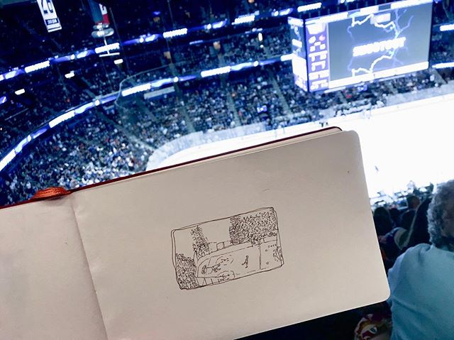 I love sitting up high for these games. You're right in the midst of all the fanatics and all of the cheers are starting just rows away from you. Plus it's not a bad view for drawing. So cool to see the lightning win in overtime! ⚡️⚡️