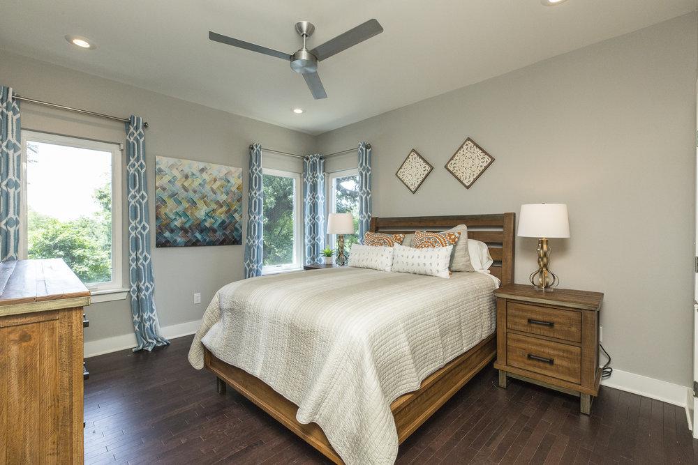 domophotos high standard real estate photography - Nashville, TN bedroom decor