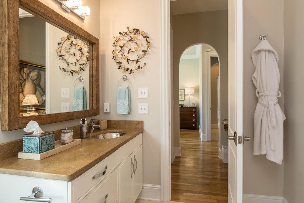 domophotos high standard real estate photography - Nashville, TN bathroom vanity