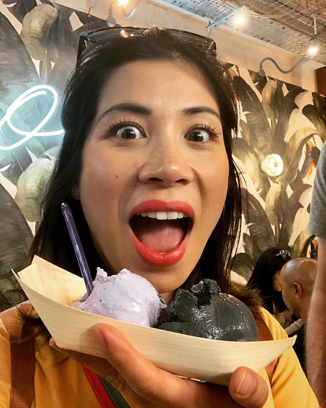 🍡🍦🍧Shhhheeeet this amazing desert bar has amazing Ube and Black Buko Ice Cream 🤪Guise listen up @mamasonsdirtyicecream has landed in Leicester Square and as it's the hottest day of the year yet. Treat yo selves! #sarapaf #dessertbarsinlondon #icecream #ube #blackicecream #calamansi #pinos #fillypoods (next time you're in London 🇵🇭🇬🇧@nicoleponseca @jeppyparaiso) 💯% 🌈