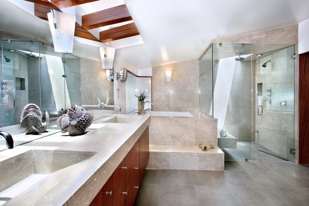 Hall master bath photo.jpg