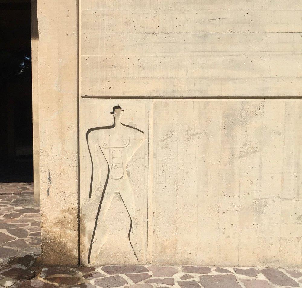 marseille-architecture-cite-radieuse-corbusier-modular-man