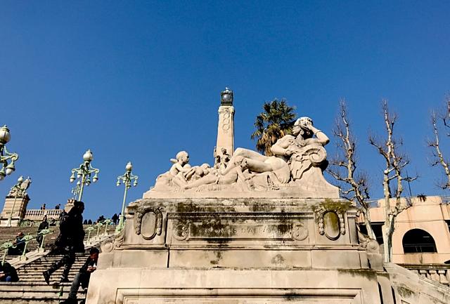 marseille-gare-saint-charles-statue-botinelly