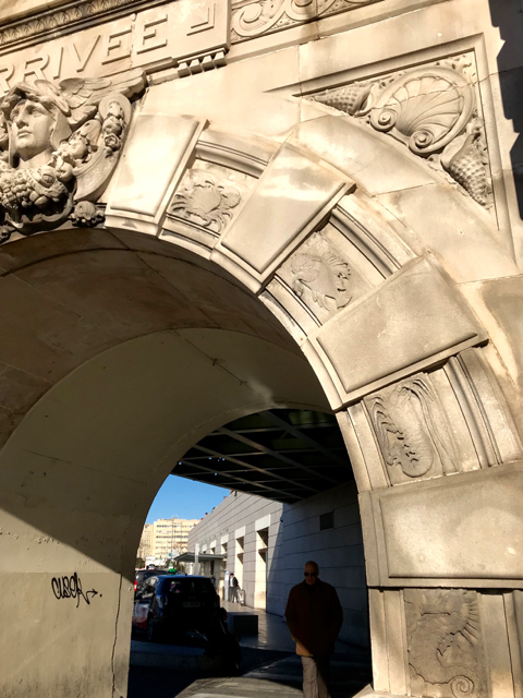 marseille-train-station-arch