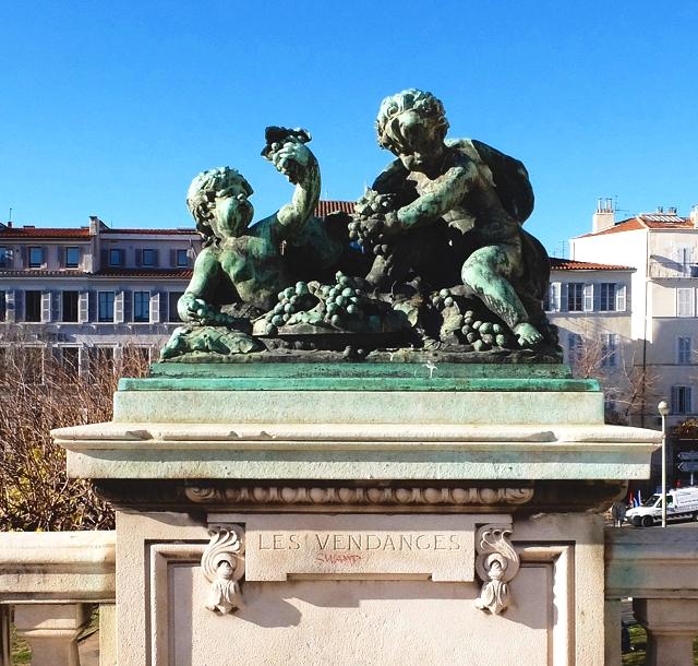 marselle-gare-saint-charles-statue-bronze-cherub