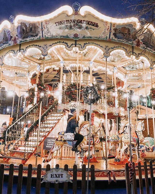 Edinburgh's Christmas carousel is just ✨ #katieandkubitzineurope