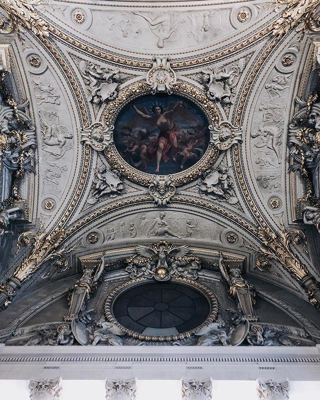 the ceilings are 👌🏻#katieandkubitzineurope