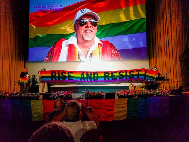 Homenagem a Baker em junho de 2017, em San Francisco (Foto de  Mitch Altman )
