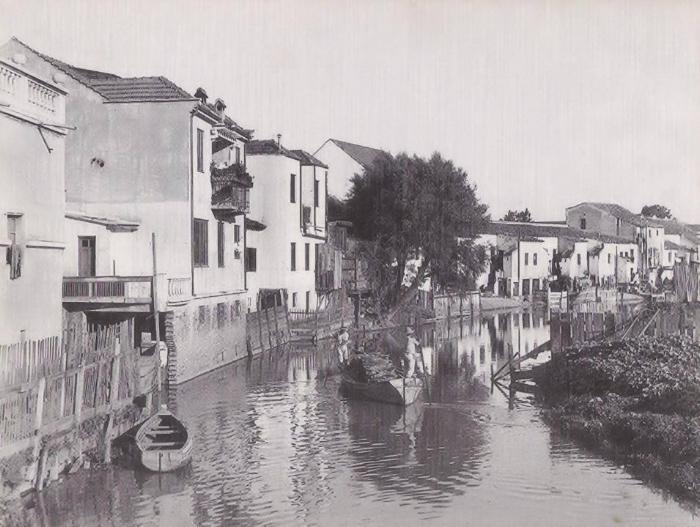 O Dilúvio corria por trás das casas da João Alfredo (Foto Lunara/Acervo do Museu de Porto Alegre Joaquim Felizardo)