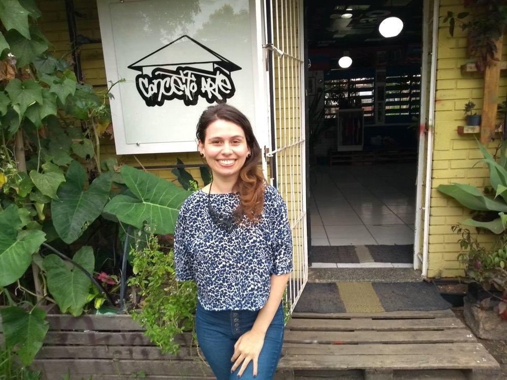 Priscila Macedo é uma das coordenadoras da Biblioteca Comunitária Girassol, no Sarandi (Fotos/Divulgação)