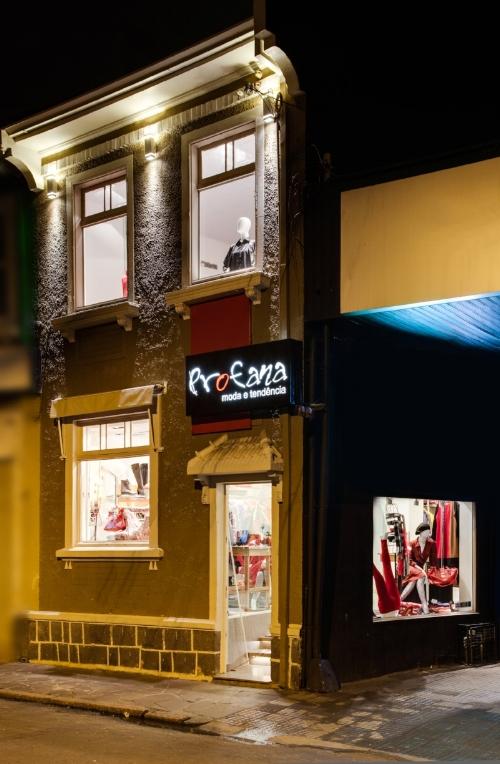 Sobrado da Lima e Silva guarda as memórias de infância da dona da loja