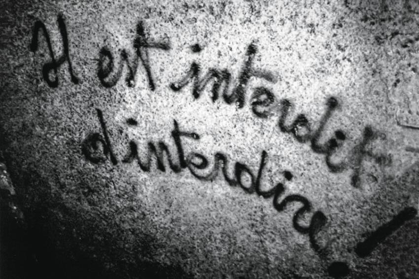 """""""É proibido proibir"""": uma das frases pichadas nos muros de Paris, assim como """"A imaginação ao poder"""" e """"Sejam realistas, exijam o impossível!"""""""