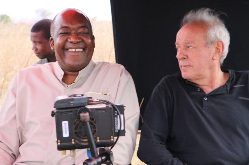 Licínio Azevedo (à dir.): espírito de aventura conduziu o cineasta e jornalista aos cenários de episódios históricos marcantes de seu tempo
