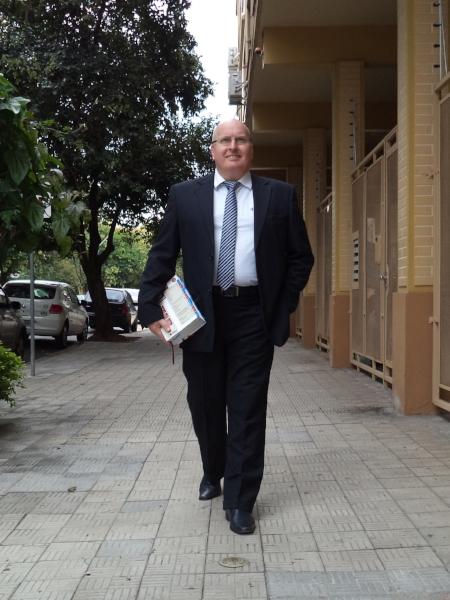 Em frente ao escritório de advocacia, no Menino Deus (Foto/Marcello Campos)