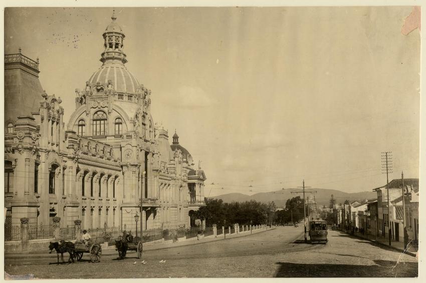 O Julinho da Avenida João Pessoa, destruído por um incêndio em 1951 (Foto Virgílio Caligari/Acervo do Museu de POA Joaquim José Felizardo)