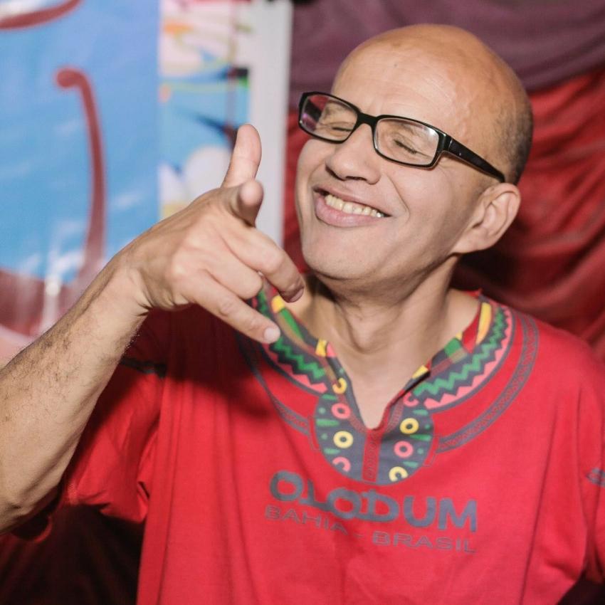 Jorge Luiz Silva Braga, o Kafu: referência na produção de festas que misturam raízes brasileiras com a música pop, de preferência de origem africana