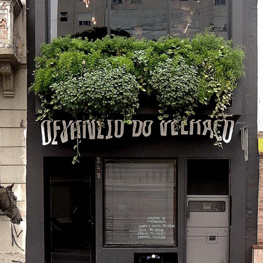 """A cerveja """"pós-moderna"""" do Devaneio honra a tradição familiar representada pelo casarão centenário da Rua General Portinho (Foto/Divulgação)"""
