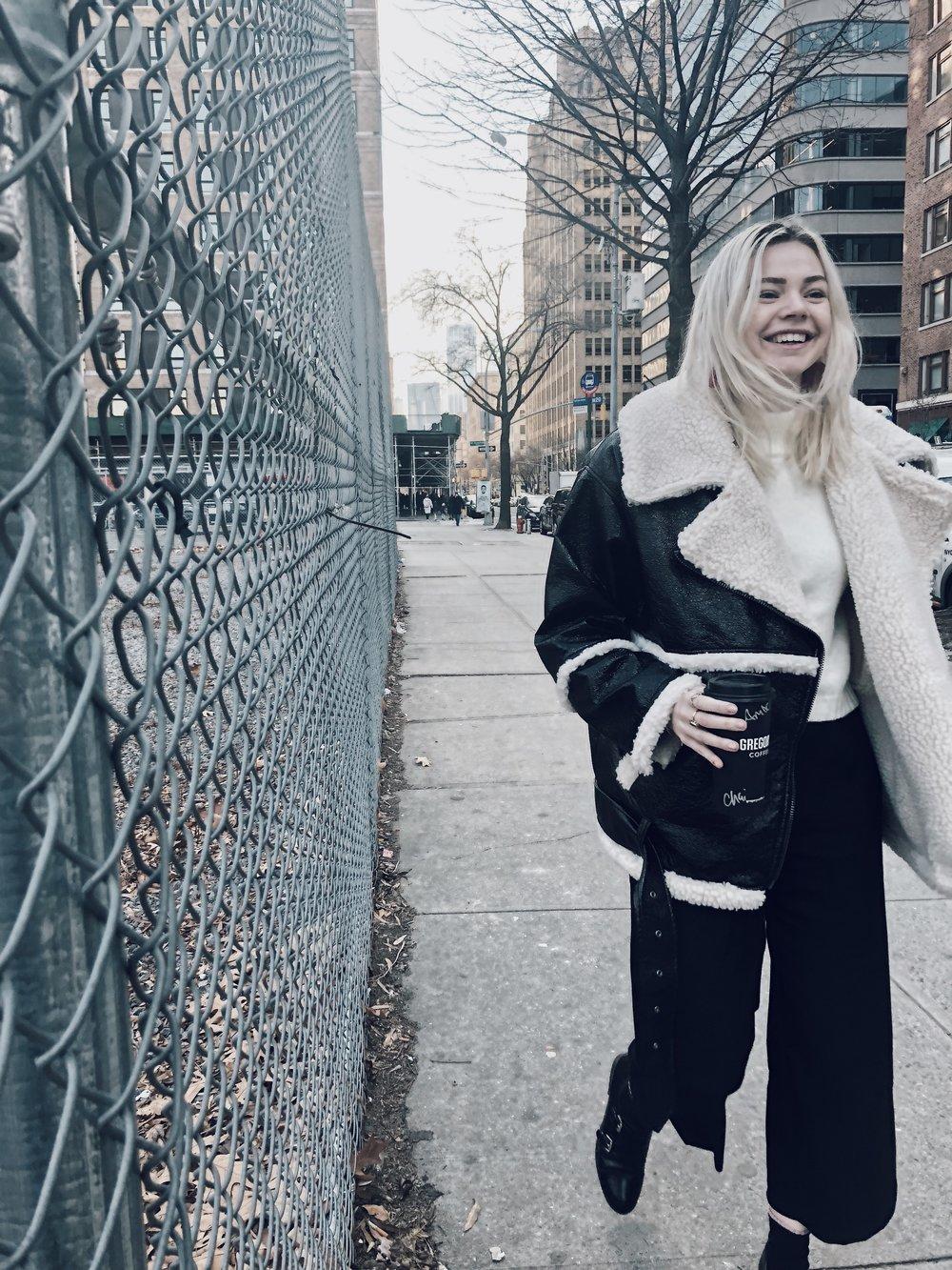 coat: monki - sweater: anthropologie / pants: zara / shoes: sam edelman