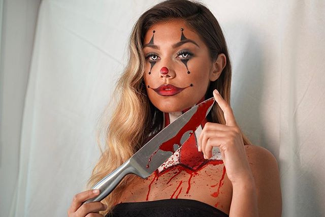 Killer 🤡🔪 So fun creating and shooting this 👀 on this beautiful girl @alexacharleton  Now Booking Halloween for LA and Vegas! 💌 for rates and availability  #makeupartist #specialeffectsmakeup #clownmakeup #losangelesmakeupartist #lasvegasmakeupartist #halloween #sonya7iii #photography