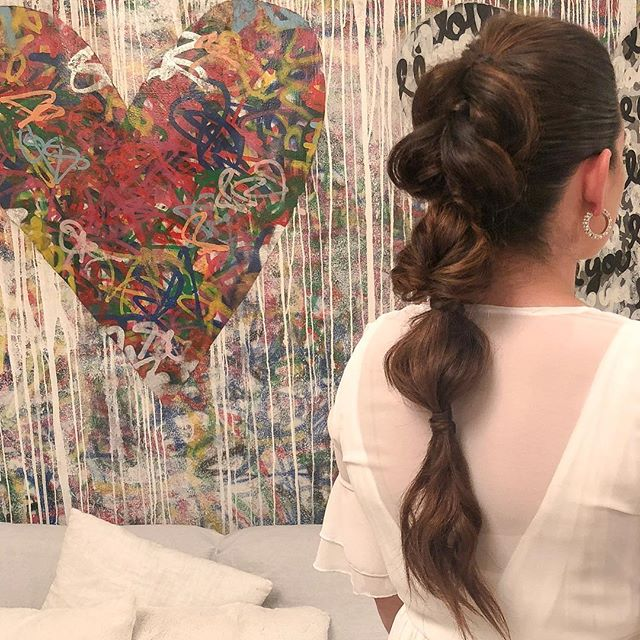 Voluminous Ponytail 💙  #hairstylist #losangeleshairstylist #behindthechair #ponytail #theouai #sexyhair #thehairshopinc #bubbleponytail