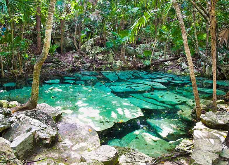 cenote-azul.jpg
