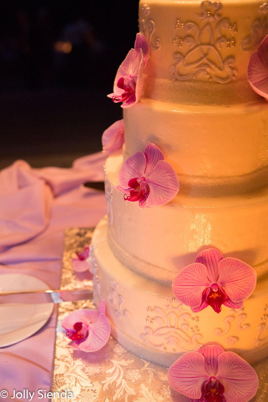 Hawaiian style wedding photography