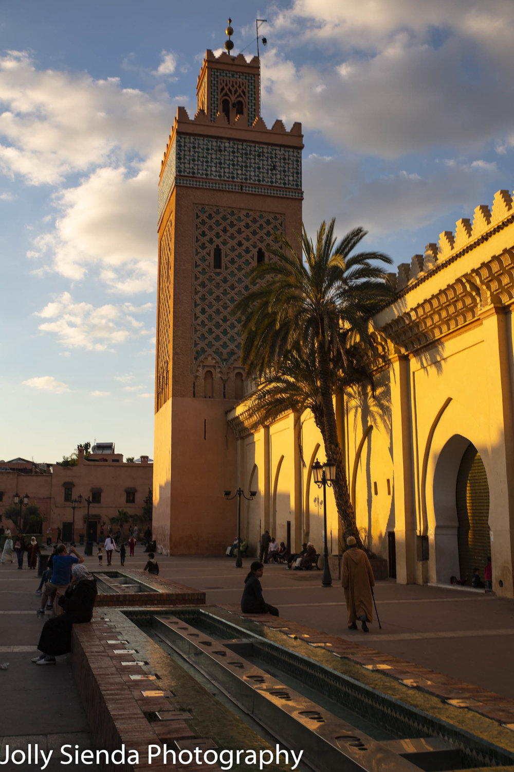 Sun sets on the Moulay El yazid Mosque