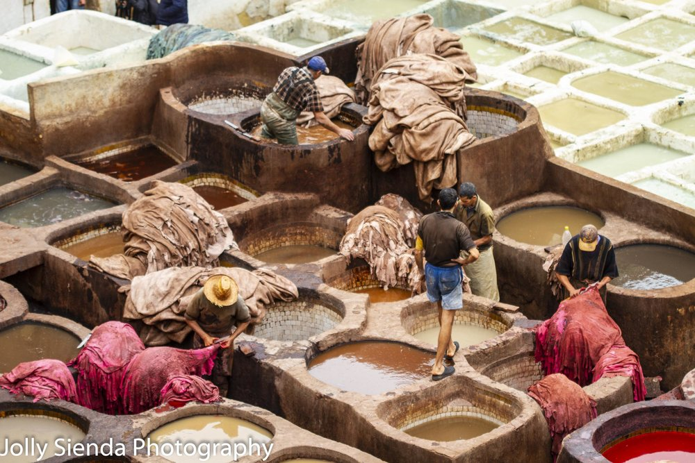 Men working at the Chouara Tannery