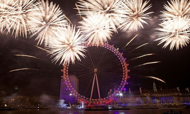 The annual New Year's Eve Fireworks display, launched from the foot of the London Eye and from rafts on the Thames, is visible from most of central London: the basic rule is that if you can see the London Eye, you'll be able to see the show 🎆 #newyearseve #nye #visitlondon #londonfireworks #hello2019 #w2ntravel #where2next