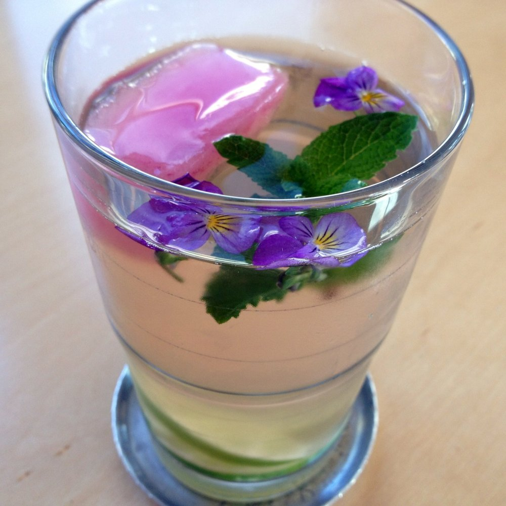 May 25, 2013    Memorial Day weekend and the unofficial start of summer. What cool (and healthy) spa water drinks will you create?   Here's what came from my garden to make mine–mint, johnny jump ups, homemade rosewater ice cubes. Those are lime slices flavoring the water.   Check these amazing   spa water recipes and photos   and get more ideas on this  Pinterest   board.
