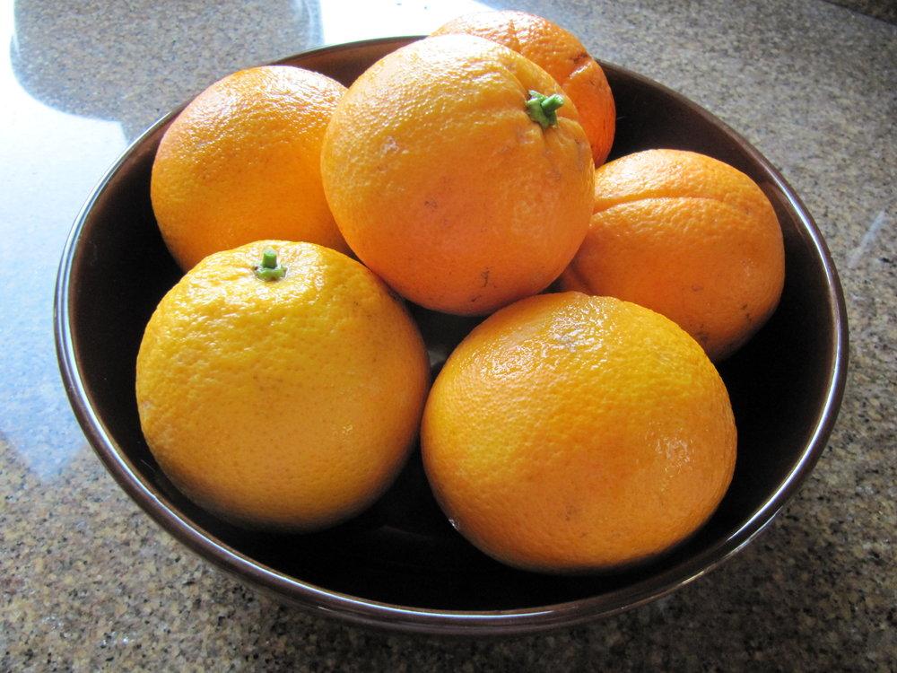 A sampling of the navel oranges.