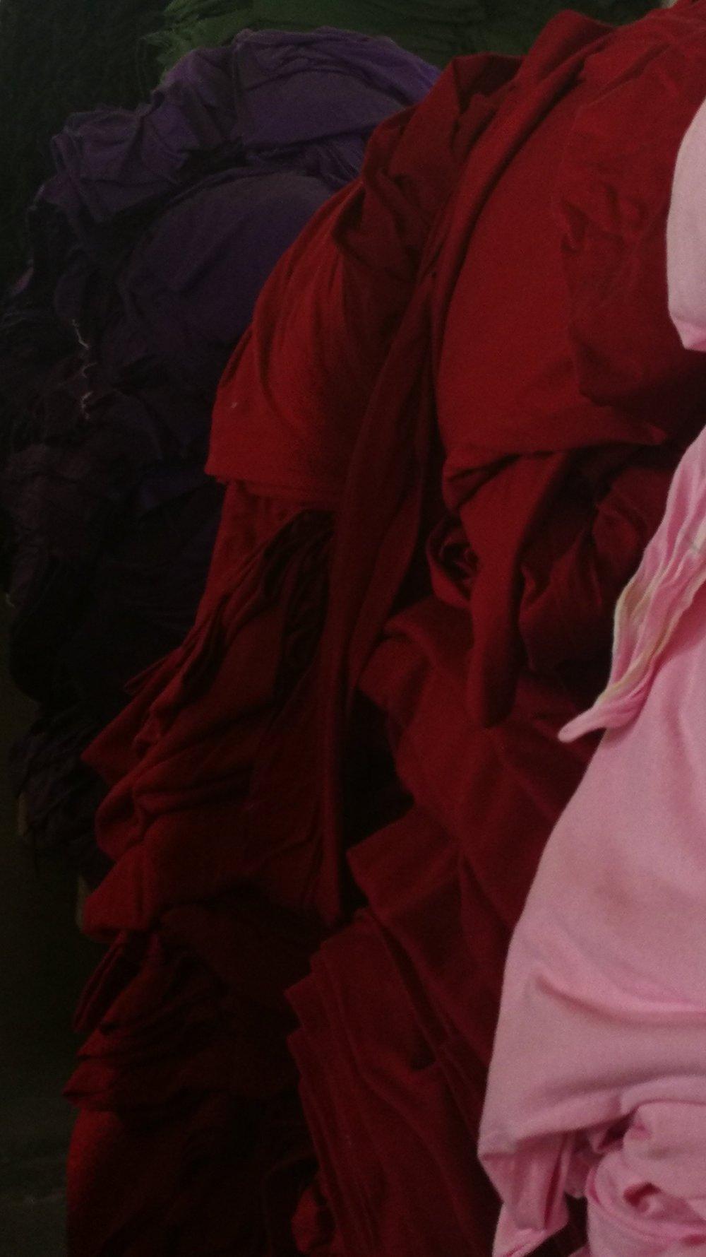 Ökologisch gefärbte Stoffe |  Eco-friendly dyed fabrics