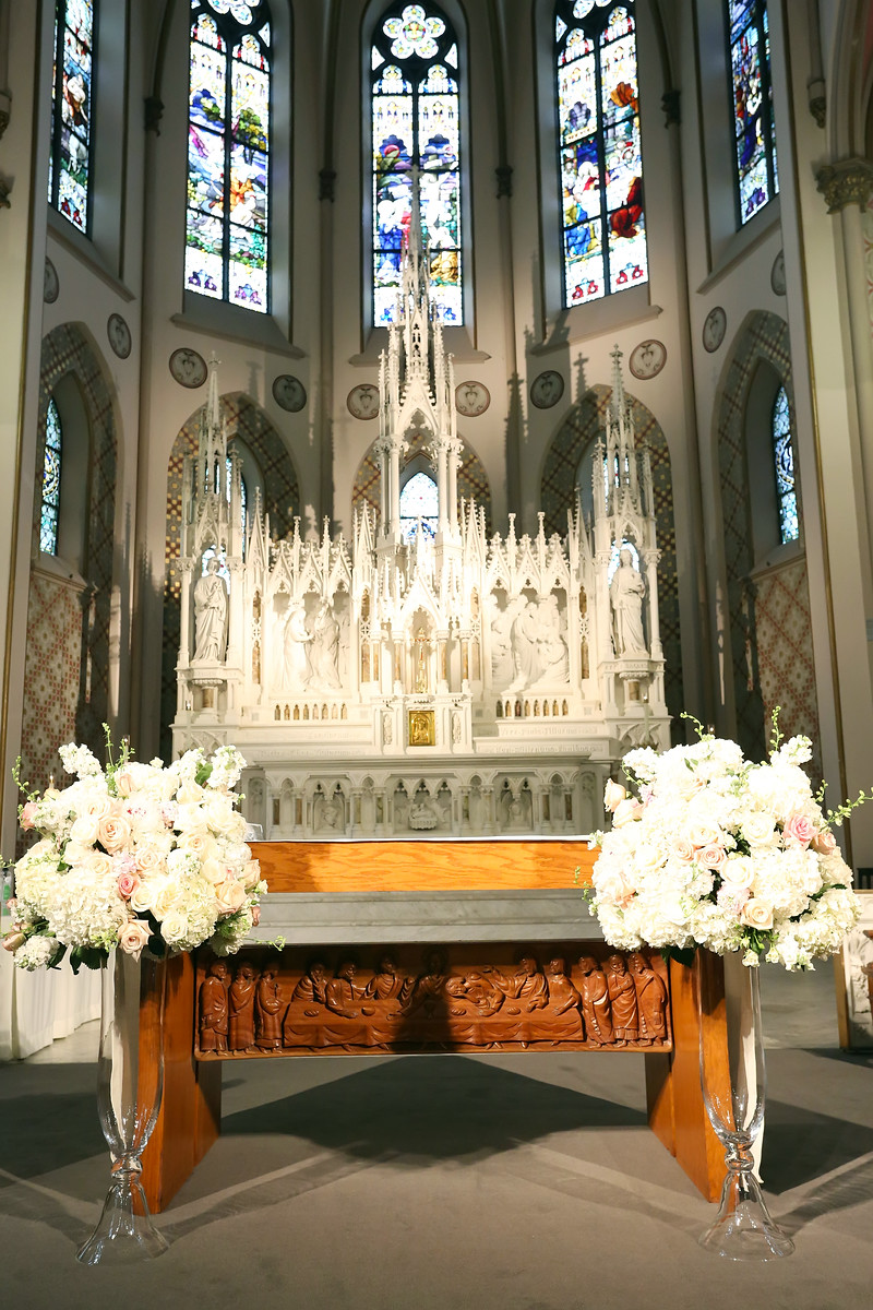 Ceremony altar florals in pink and white for Cincinnati wedding. Floral design by Yellow Canary www.yellowcanaryonline.com