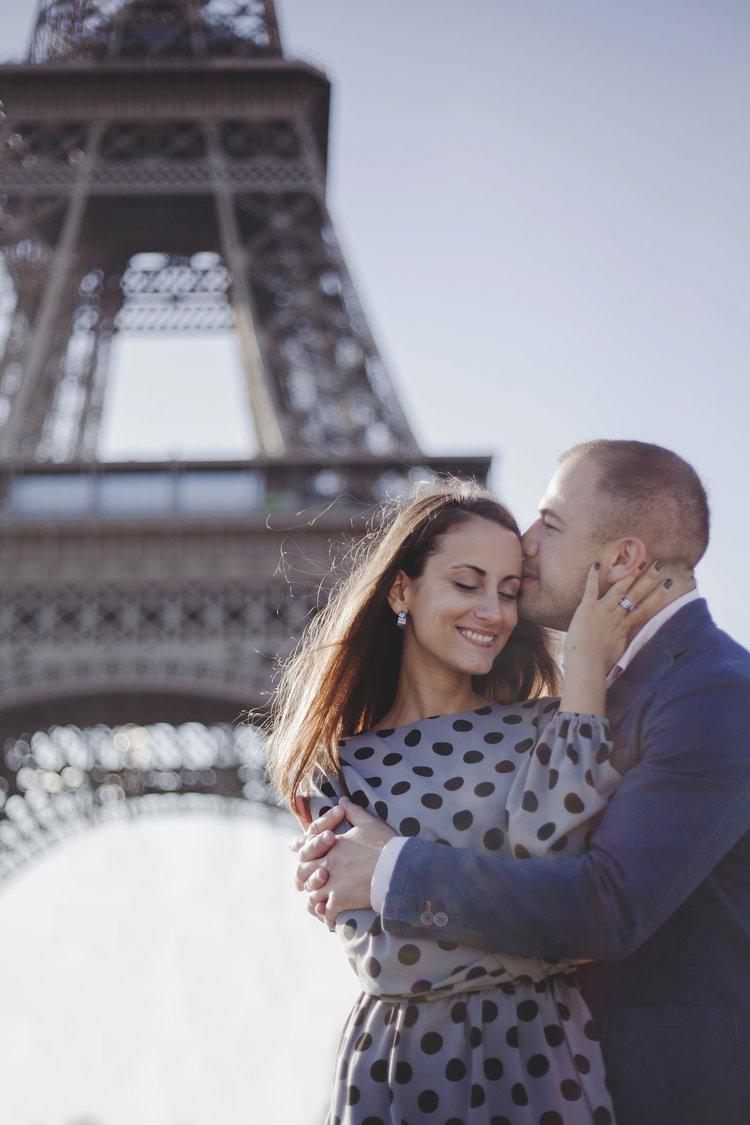 Dating paris english