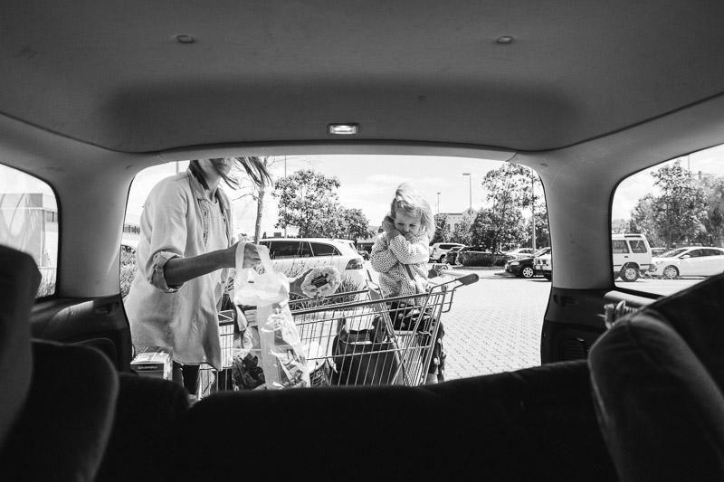 Lauren McAdam family photos Photographer geelong highton newtown belmont torquay car project supermarket mum and daughter.jpg