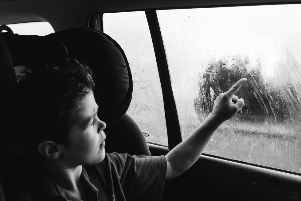 Lauren McAdam family photos Photographer geelong highton newtown belmont torquay car project writing on foogy window.jpg