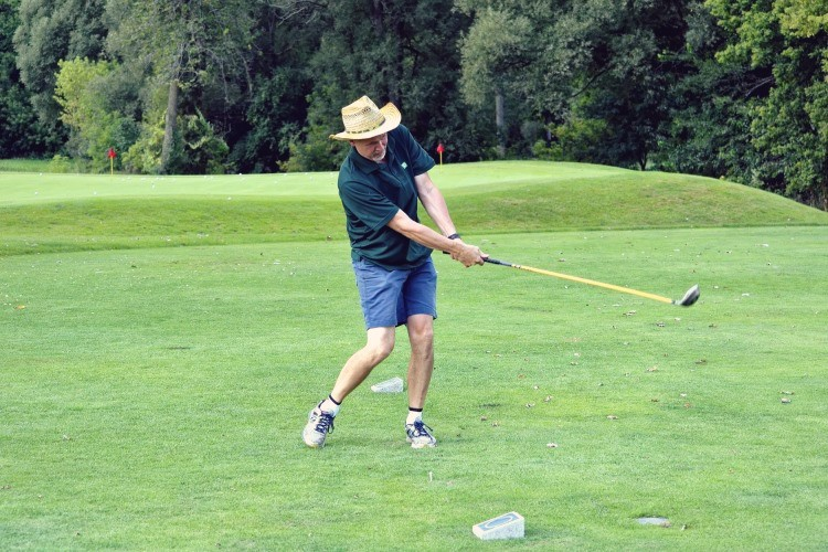If you want to know how you can start playing better golf you need to look at why you may not be playing well at present. Learn how you can starting playing better golf today with these 4 powerful ways.