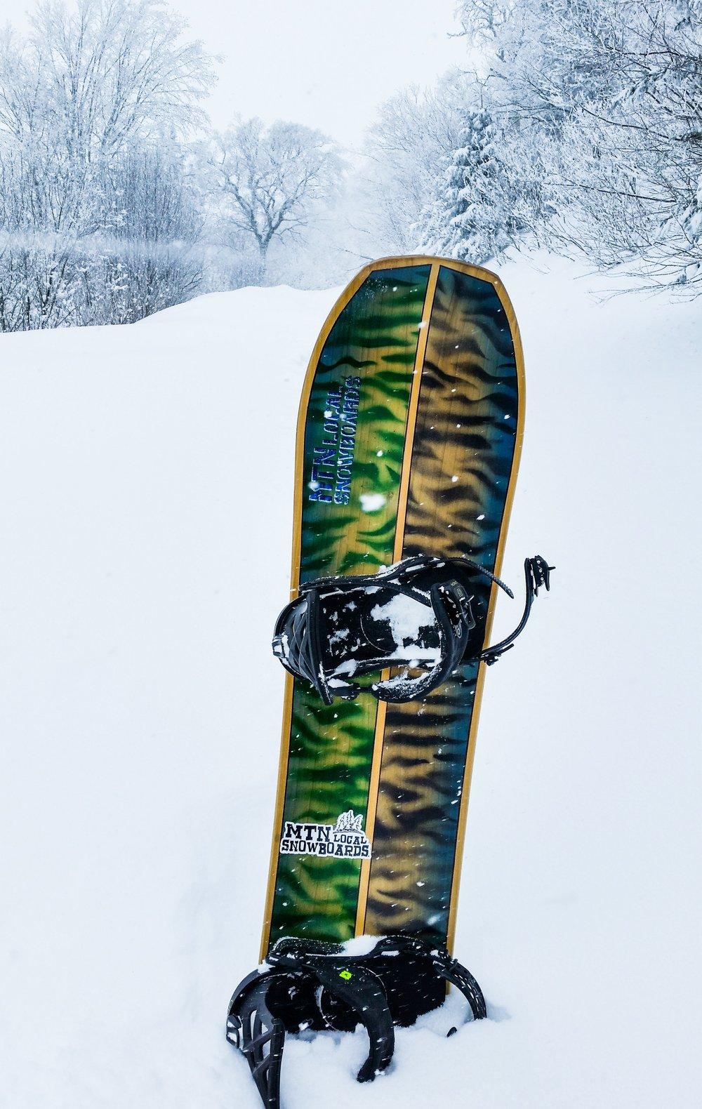 snowboard-product-snow 01.jpg