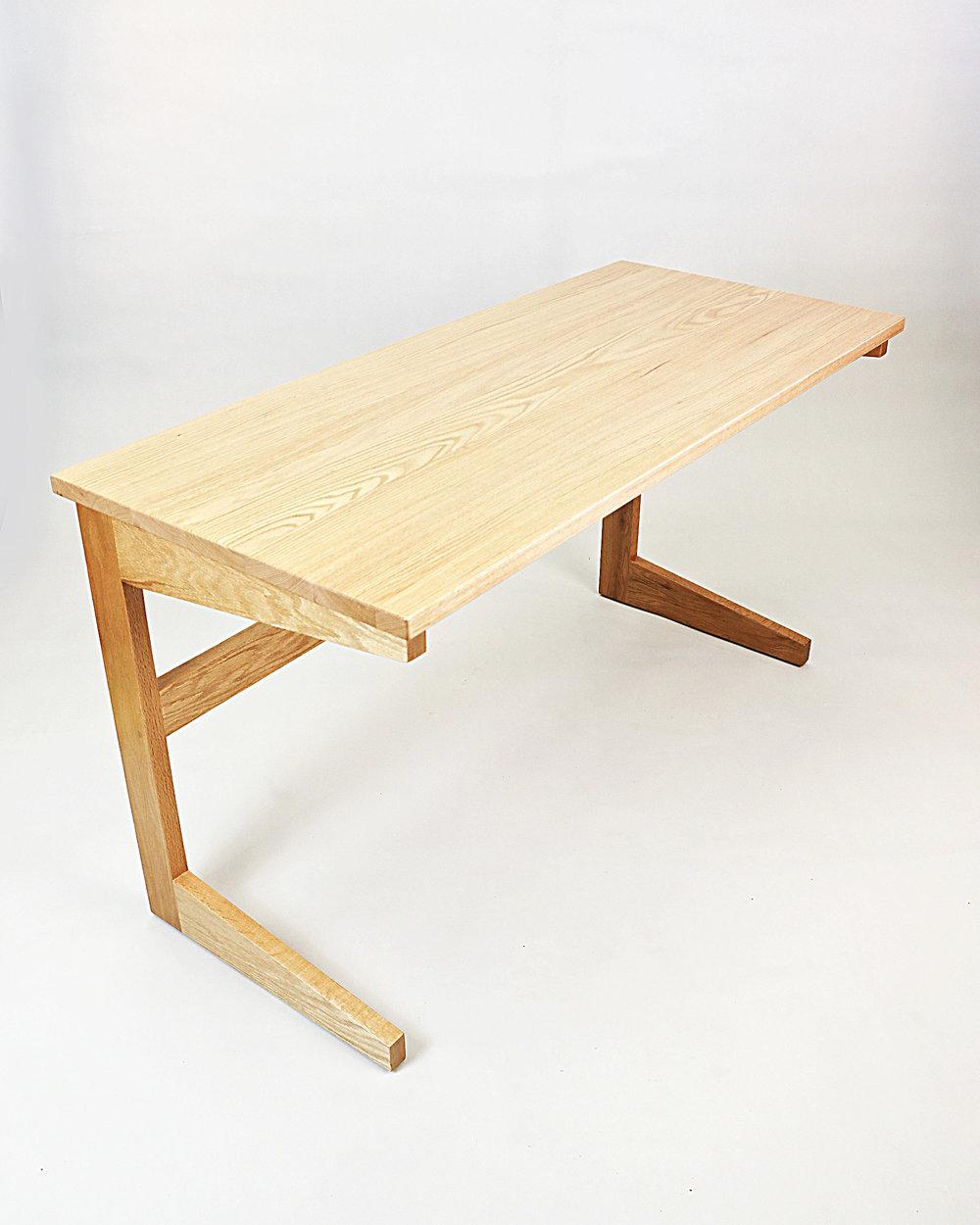 Streamline Desk2.jpg