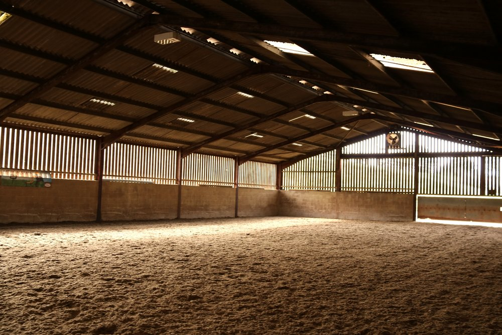 • Indoor Arena 40x20m with Andrew's Bowen wax surface