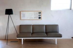 11-Chaise-b-300x200.jpg
